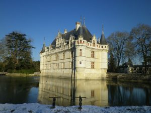 castle-of-azay-le-rideau-1122156_1920